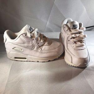 Toddler boy's Nike shoes